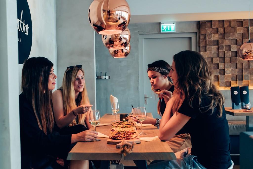 we_definitely_fotografie_heerlen_quatro_eten_dineren_hapje_drankje_uitgaan_bioscoop_titel-4