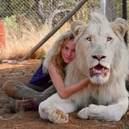 157861Mia-and-the-White-Lion-3.